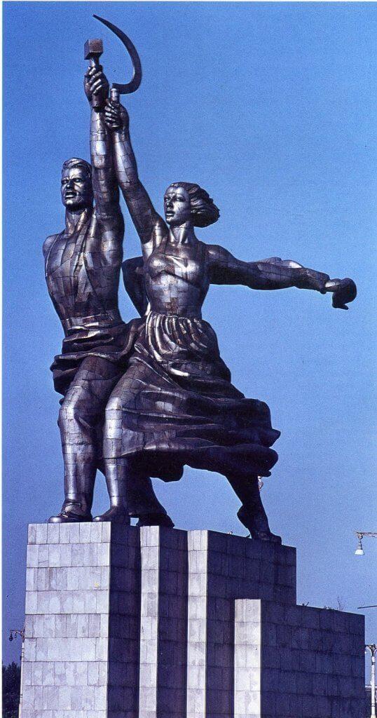 Vera Muhina szobra