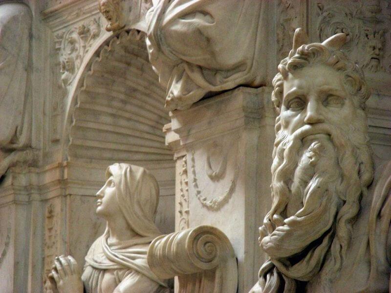 Michelangelo Buonarroti: Mózes, San Pietro in Vincoli , Róma, panoramio.com