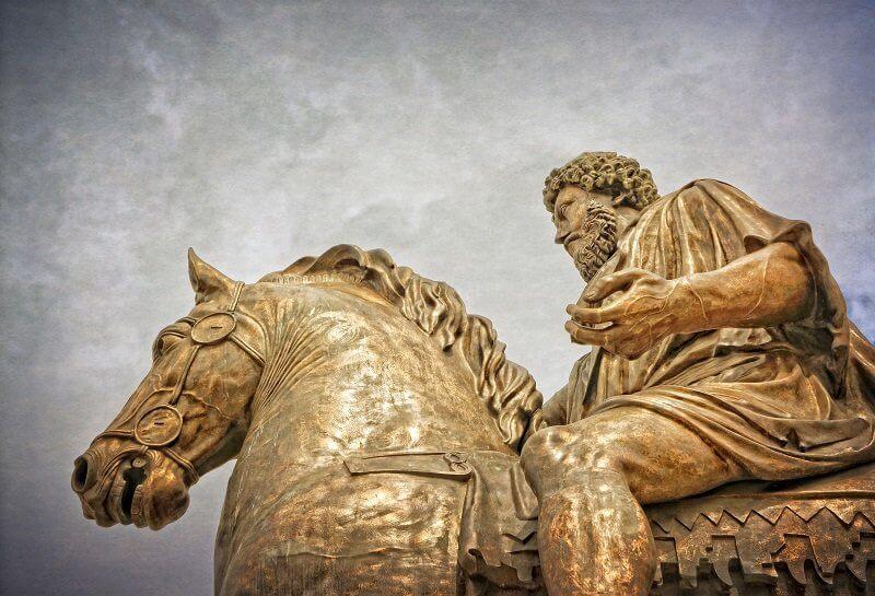 Marcus Aurelius bronz lovas szobra a Campidoglio Róma (ókori bronz szobor másolata), wisdompills.com