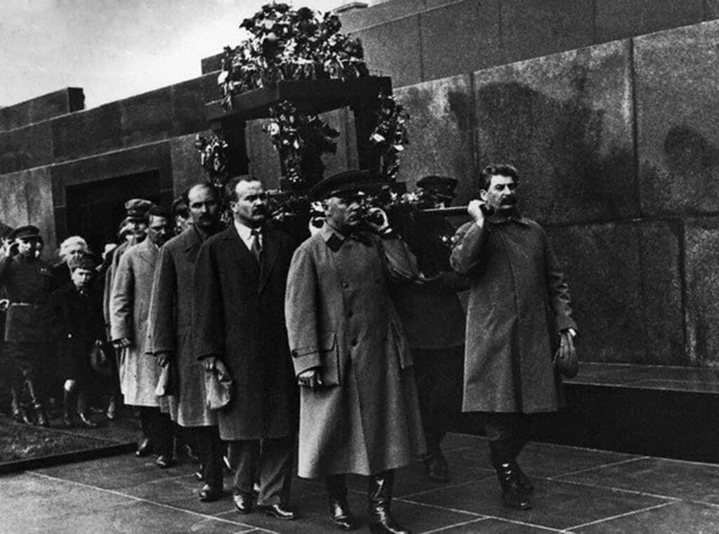 Sztálin Kirov temetésén, russian-records.com