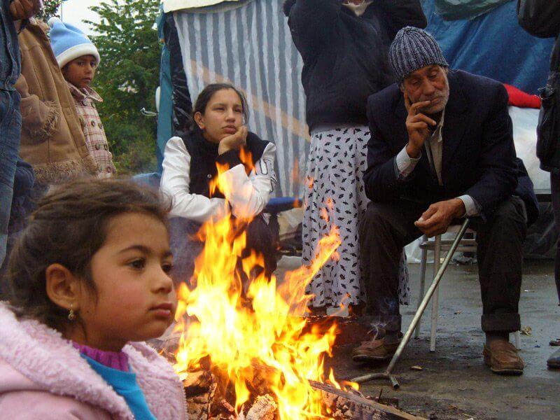 Párizs környéki illegális romatábor, 168ora.hu